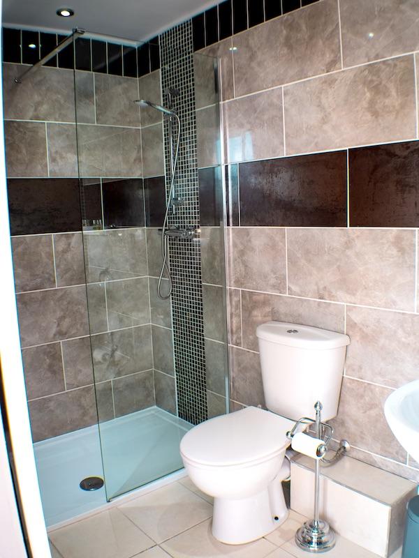 Bath at the HQ Bar Isle of Man